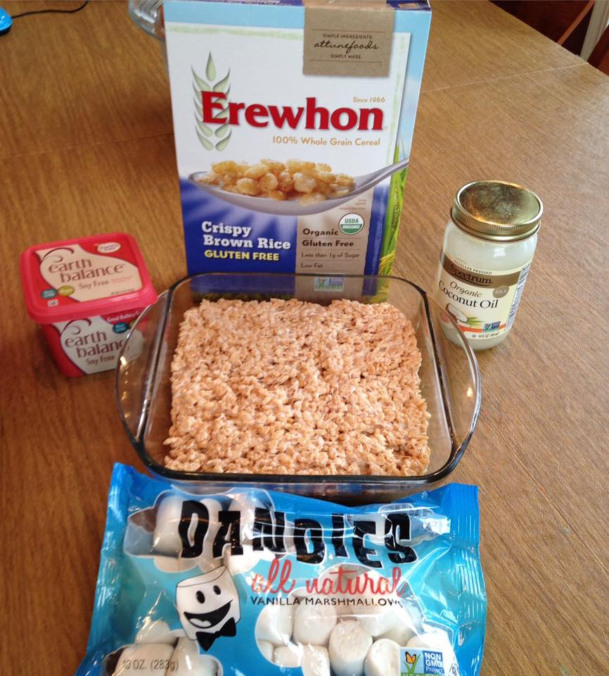 Dye free rice krispy treats all natural mom my kids had never had rice krispy treats because i could never get the marshmallows to work right in the recipe had tried with homemade marshmallows ccuart Gallery